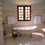 Jak niewielkim kosztem odmienić aranżację łazienki?