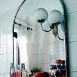 Jak zamontować lustro w łazience?