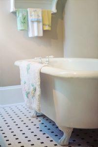 claw-foot-tub-2095751_1280